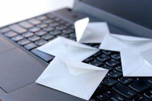 メールを使って連絡を取ろう