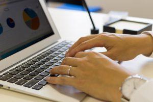就職したら使うソフトは何があるの?オフィスやメールを使えるようになろう